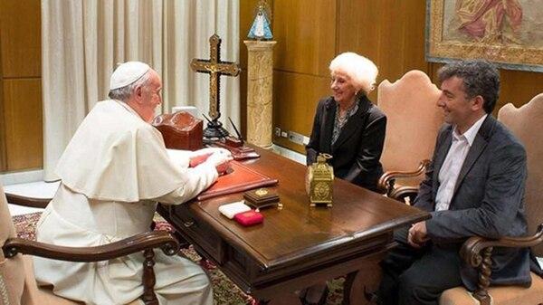 En una visita anterior, Carlotto visitó al Papa con su nieto (Foto de archivo: Gentileza AICA)