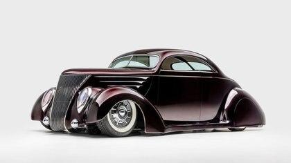 La coupe Ford fue revolucionaria en su época, finales del 30. (Museo Petersen)