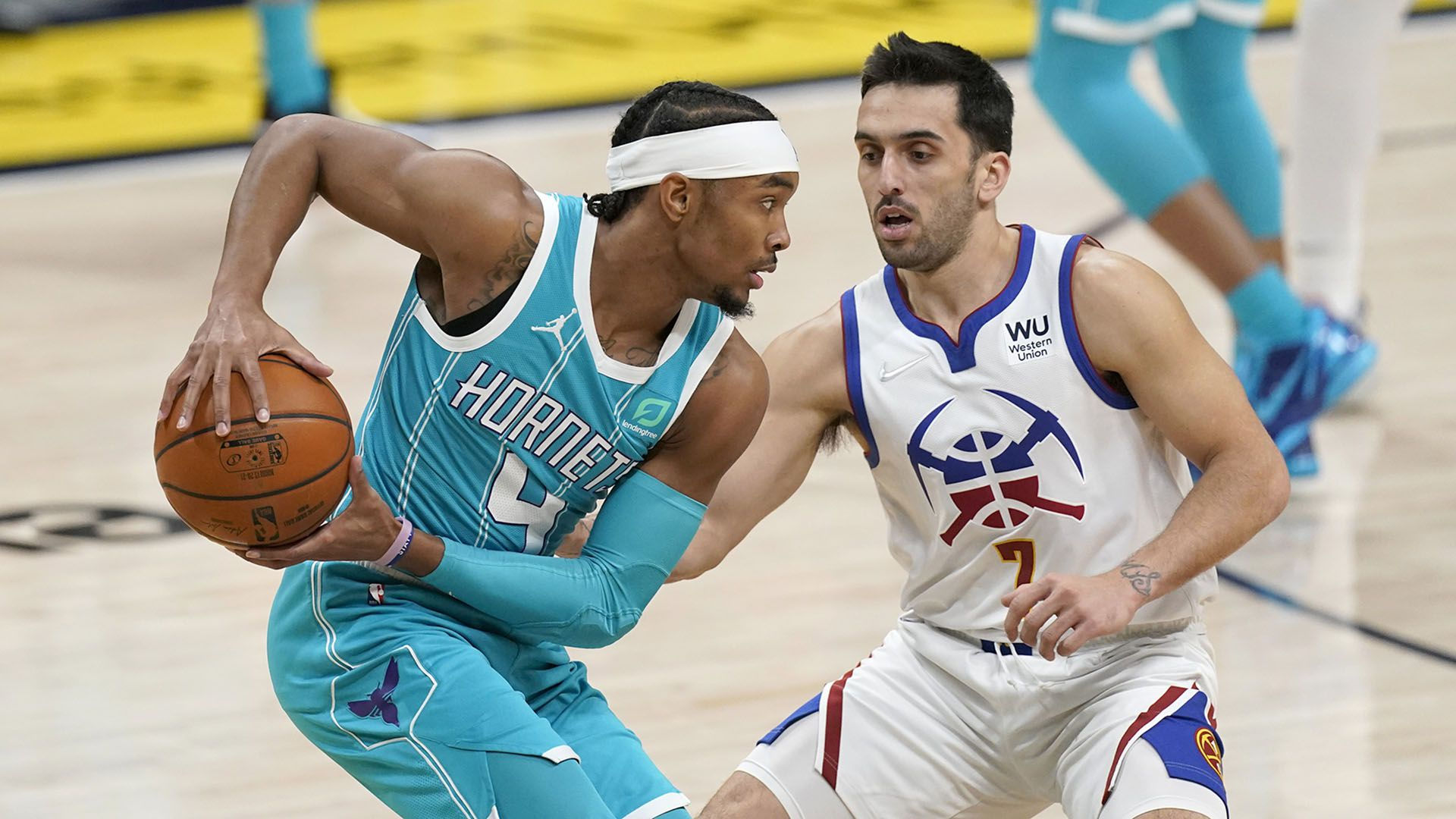 Facu Campazzo contra Charlotte Hornets