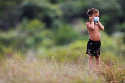 Un niño de la tribu indígena Yanomami en Brasil. Foto: REUTERS/Adriano Machado