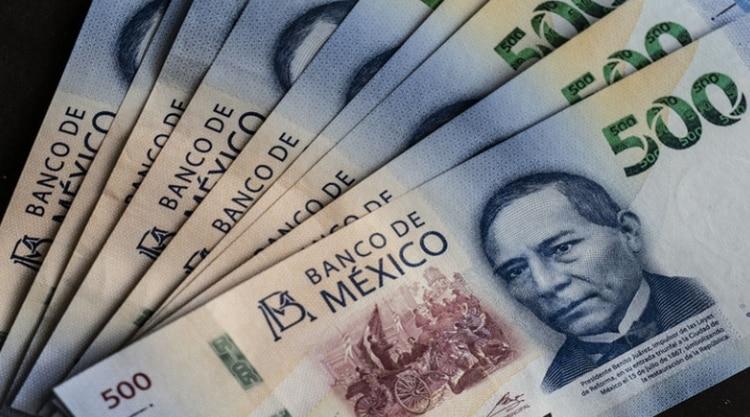Los senadores ganan actualmente 105 mil pesos al mes. (Foto: Archivo)