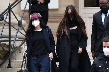 Demi Moore y su hija, Scout Willis, estuvieron en el Fendi Haute Couture Show en París, a donde viajaron para disfrutar de la Semana de la Moda de la alta costura