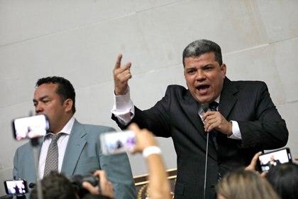 Luis Parra durante una sesión de la Asamblea Nacional en Caracas (Reuters/ Manaure Quintero/ archivo)