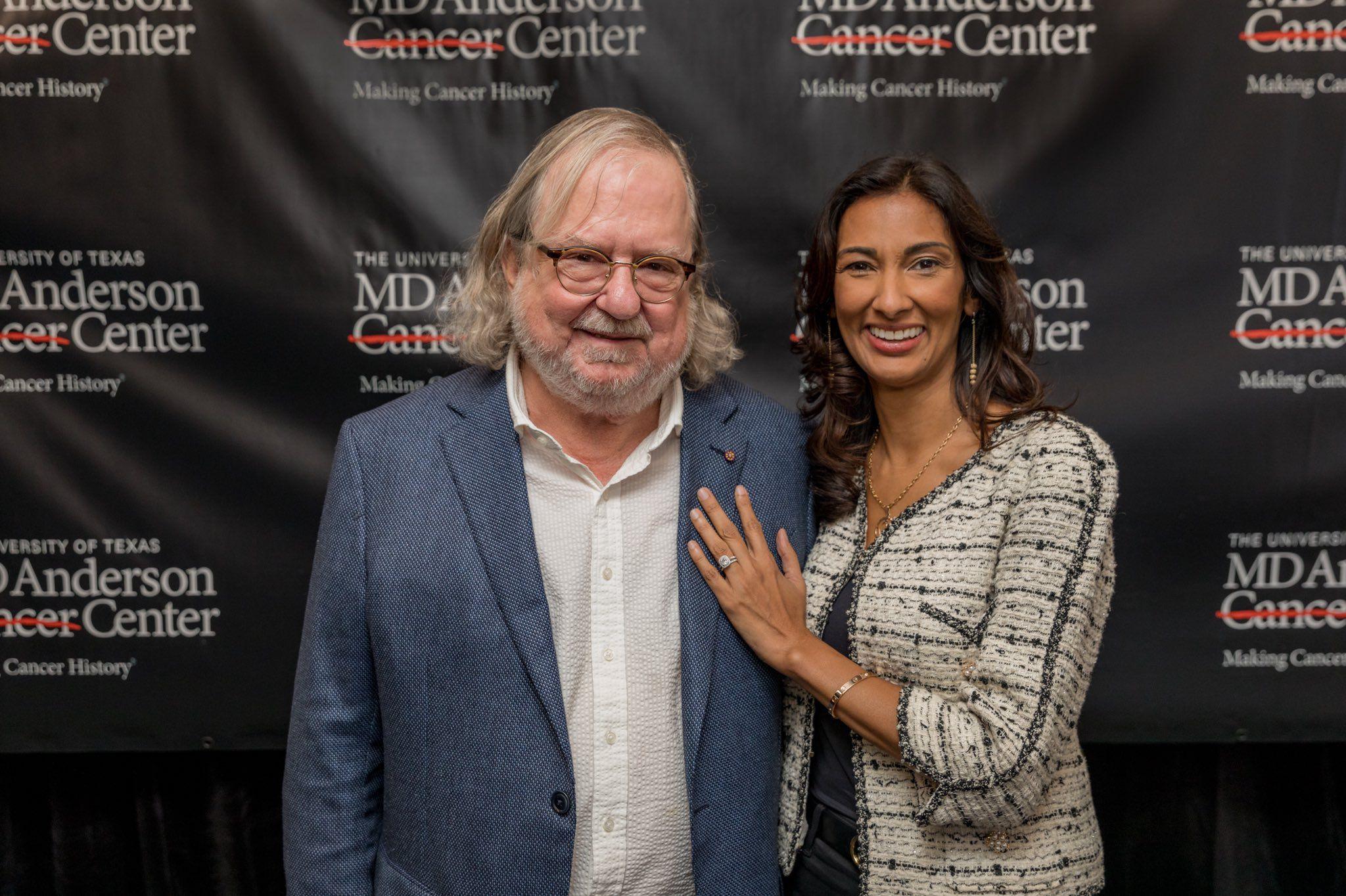 James Allison, junto con su segunda esposa Padmanee Sharma, con quien sigue investigando en el MD Anderson Center, en los Estados Unidos /MD Anderson Center