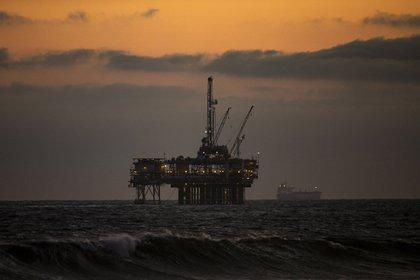 Una plataforma petrolera en el Golfo de Méico (EFE/EPA/ETIENNE LAURENT/Archivo)
