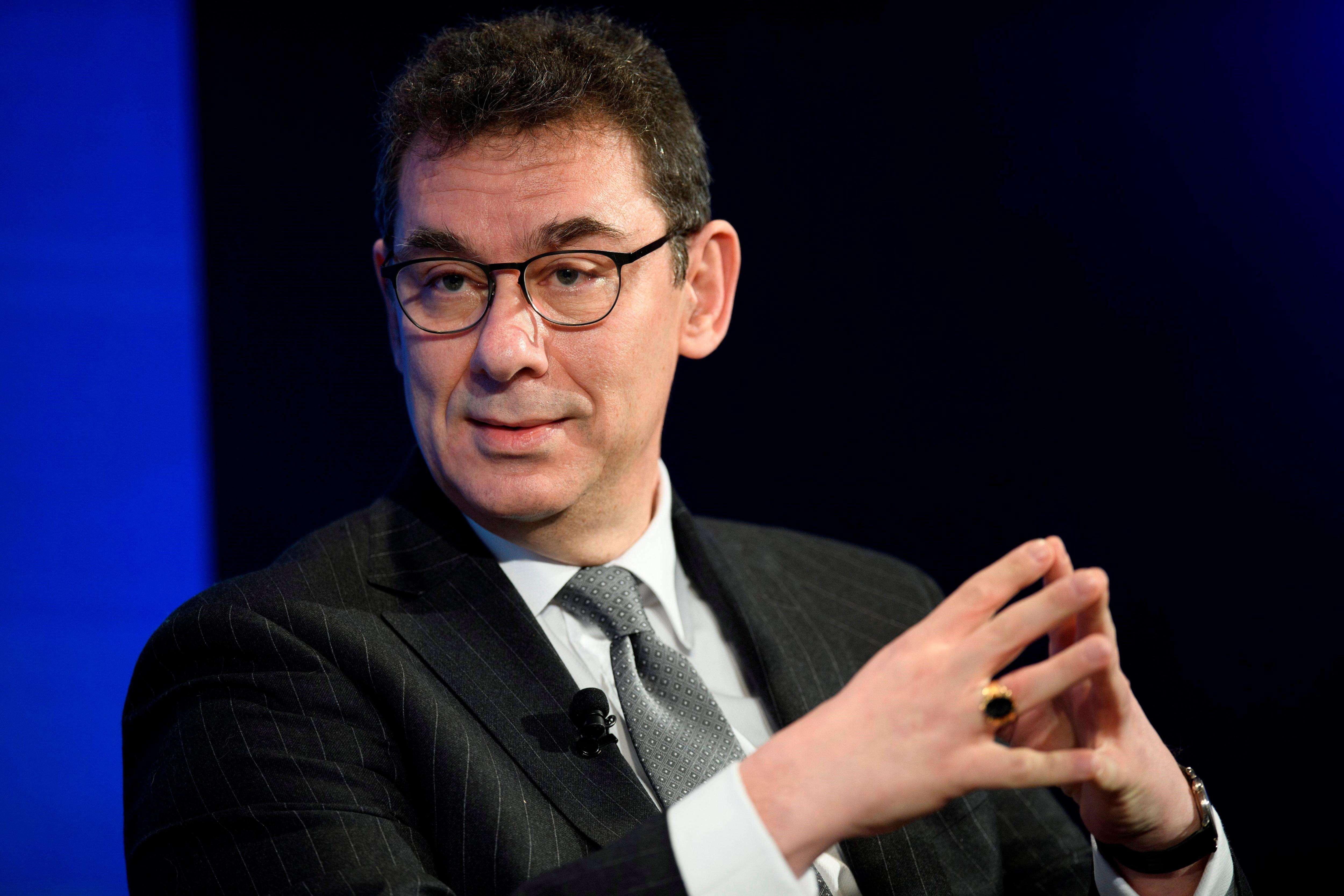 El CEO de Pfizer, Albert Bourla, cree que suspender patentes creará problemas de suministro. EFE/ Gian Ehrenzeller/Archivo