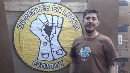 Aldo Punta durmió todas las noches en el acampe de los docentes frente a la Legislatura