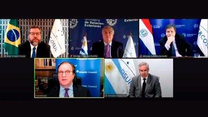 La cumbre de cancilleres del Mercosur se postergó para el lunes 26 de abril