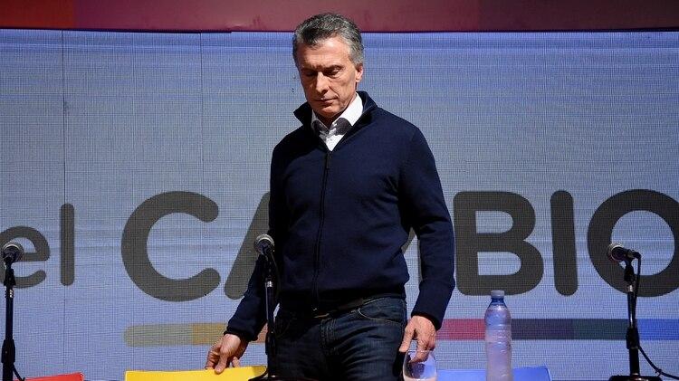 Mauricio Macri, luego de asumir la derrota y encabezar una conferencia de prensa