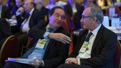 Pablo Clusellas y Guillermo Lipera compartieron una mesa de debate sobre transparencia y confianza