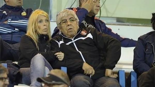 Hugo Moyano y Liliana Zulet en la platea de Independiente