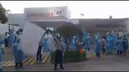 Médicos en Barranquilla se manifestaron en solidaridad con José Buelvas quien fue amenazado de muerte.
