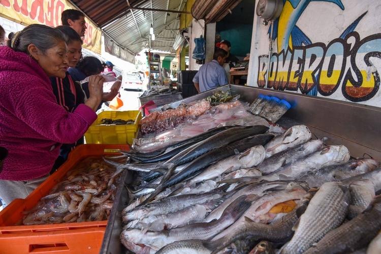 La Secretaría llamó a la población a no hacer compras de pánico (Foto: Cuartoscuro)