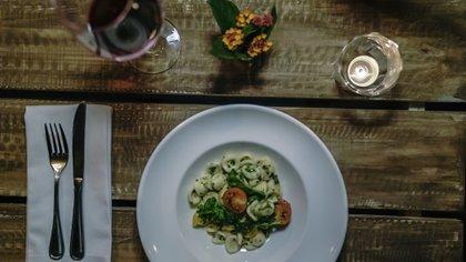 El chef Patricio Negro, responsable del restaurante Sarasanegro, brindó un menú especial en Casa Yagüe