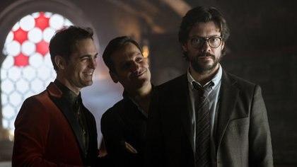 Pedro Alonso, Rodrigo de la Serna y Álvaro Morte (Foto: Netflix)