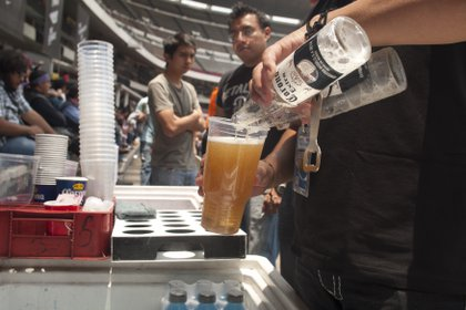 """ANPEC aseguró que la cerveza """"es un producto esencial para sobrellevar en los mejores términos la caerentena"""" (Foto: Francisco Rodríguez / Cuartoscuro)"""