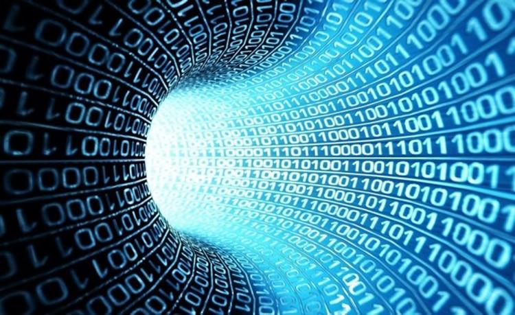 La computación cuántica se basa en qubits que permiten varios estados en simultáneo.