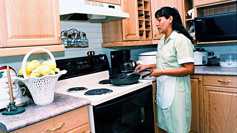 La Comisión Nacional de Trabajo de Casas Particulares fijó un incremento de 42% en cuatro tramos