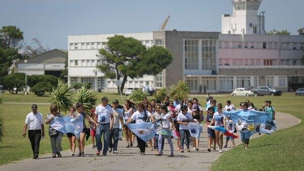 Protesta de familiares y amigos de los tripulantes