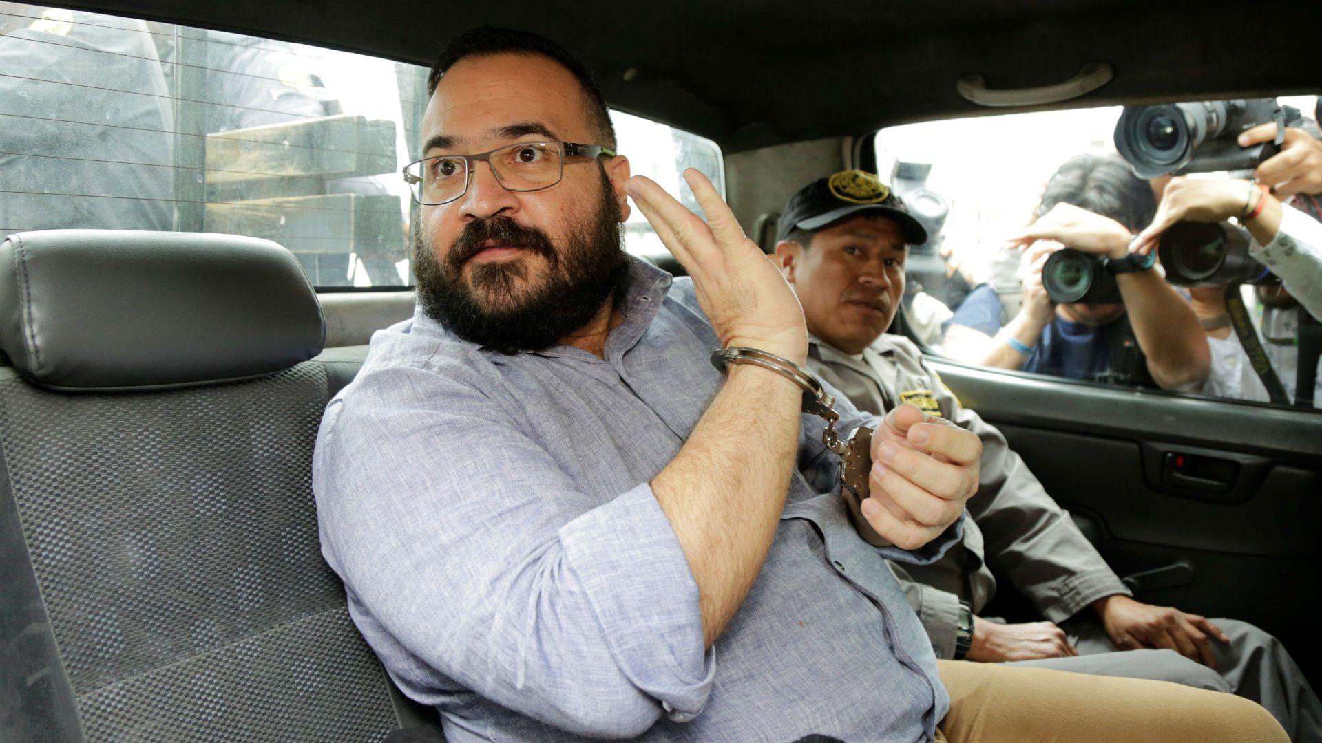 La administración de Cuitláhuac García tendría que devolver  96 millones 470 mil 817 pesos por el ejercicio fiscal de 2014 (Foto: Reuters)