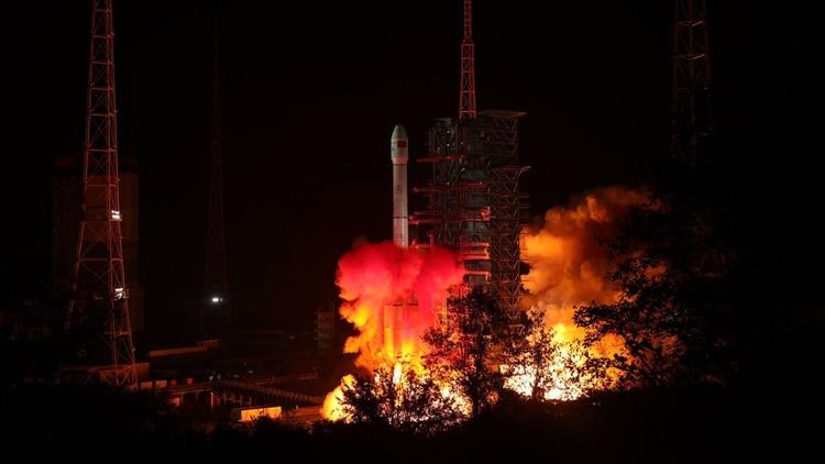La nave espacial Chang'e 4 voló el 7 de diciembre en una búsqueda para aterrizar un rover en la Luna