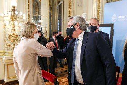El presidente Alberto Fernández con la jueza Inés Weinberg de Roca, quien fue la candidata de Mauricio Macri a la Procuración General (Foto Presidencia de la Nación)