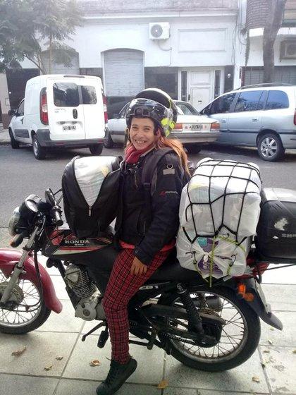 """""""La historia está cambiando y ya se nota la diferencia. Es grandioso que todo esto sea cada vez más visible"""", dice Verónica Rojas en un descanso de su jornada laboral. (Crédito: Red de Transporte Transfeminista)"""