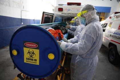 Las cifras consolidadas para finales de octubre de 2020 indican que los principales focos de la pandemia siguen siendo Antioquia y Bogotá / (EFE/Ernesto Guzmán Jr).