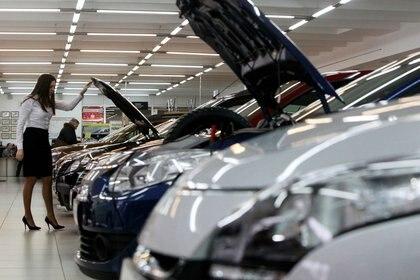 El presidente de Renault le propuso a Kulfas poder vender modelos 2021 a partir del segundo semestre