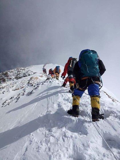 Fotografía tomada en el Everest el 16 de Mayo de 2018 (Photo by Gesman TAMANG / AFP)