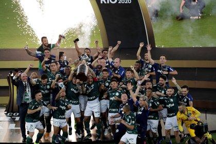 El Palmeiras defenderá el título de la Libertadores (EFE/ Silvia Izquierdo)