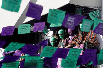 Debido al confinamiento que derivó de la pandemia las víctimas se vieron encerradas con sus agresores (Foto: EFE/Hilda Ríos/Archivo)