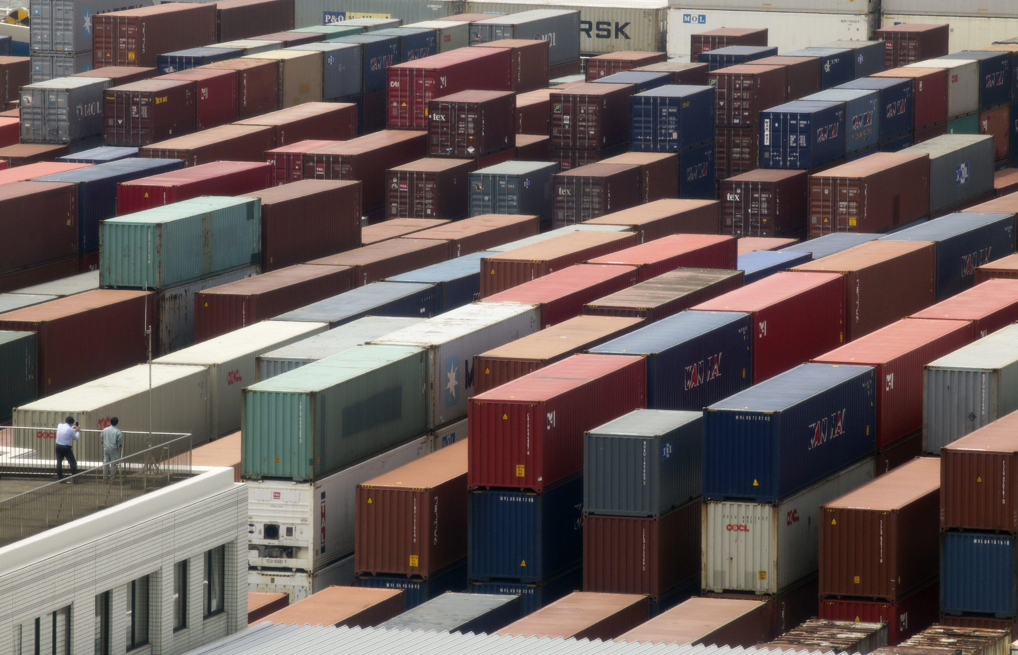 De acuerdo al informe oficial del Instituto Nacional de Estadísticas y Censos (Indec) de Argentina, el volumen del intercambio comercial (exportaciones más importaciones) disminuyó un 15,3 % interanual y alcanzó un valor de 8.440 millones de dólares. EFE/Kimimasa Mayama/Archivo