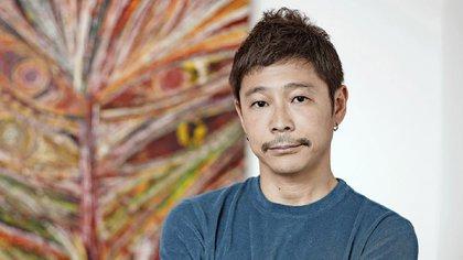 Maezawa tiene 44 años y una fortuna valuada en USD 2.000 millones.