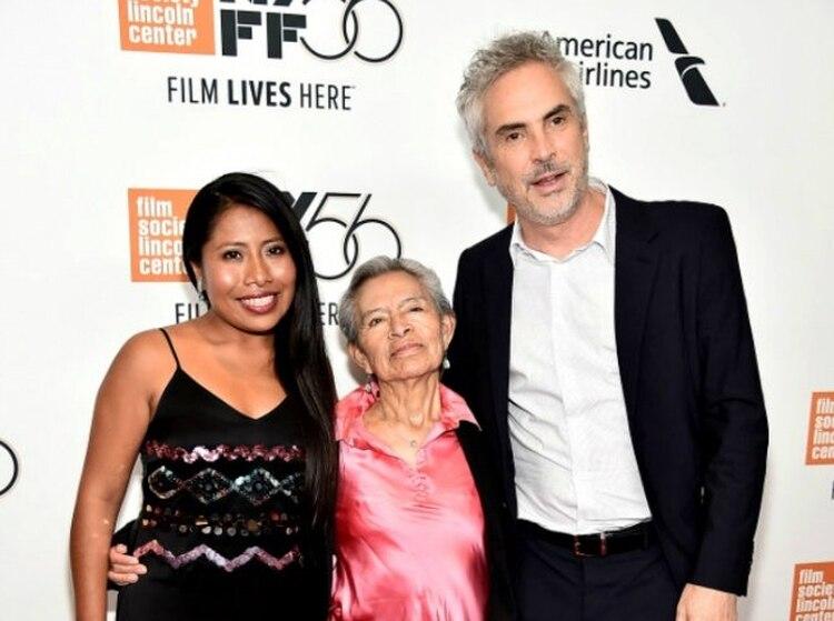 Yalitza Aparicio (Cleo), Libo y Alfonso Cuarón (Crédito: @AnalistaMxx)