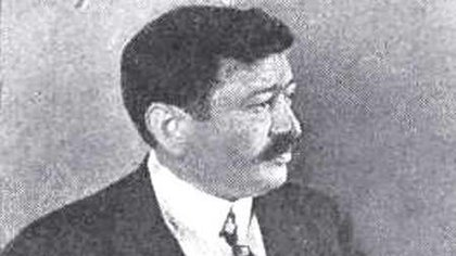 El comisario Rossi fue el creador de la cédula de identidad (www.cementeriochacarita.com.ar)