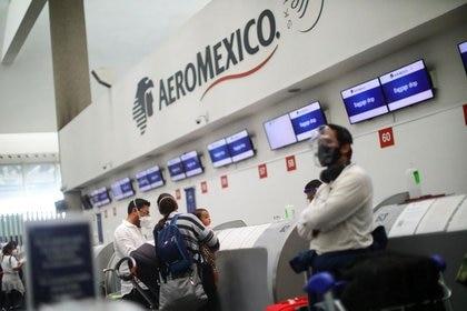 El acuerdo incluye disminución salarial para pilotos de entre 5 y 15 por ciento, depende el contrato; despido de 79 pilotos, los cuales serán indemnizados conforme al contrato colectivo y 40 más con permiso sin goce de sueldo (Foto: REUTERS/Edgard Garrido)