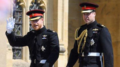 Harry en su boda con su hermano William (Shutterstock)
