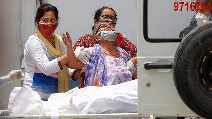 La India registró más de 4.000 muertos y 360.000 contagios diarios por COVID-19