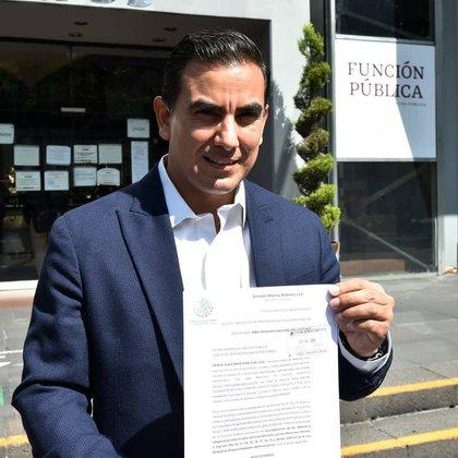 Ernesto Alfonso Robledo Leal presentó una denuncia contra la titular de la SFP ante la SFP (Foto: Facebook@PonchoRobledoMX)