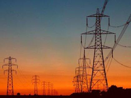 Las tarifas de energía eléctrica y gas aumentarían a mitad de año
