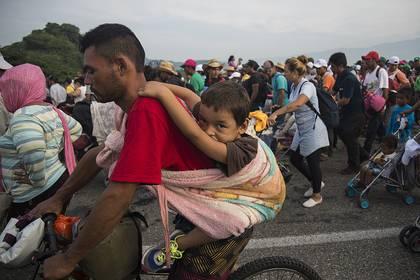 La caravana salió de San Pedro Sula, en Honduras, el 13 de octubre (Foto: EFE/Luis Villalobos)