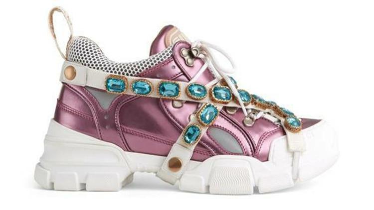 d22a0f228e6 Rosa metalizado con cintas y apliques de piedras preciosas turquesa (Gucci)