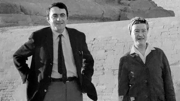 Claude Lanzmann junto a la filósofa Simone De Beauvoir, con quien tuvo una relación