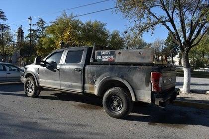 """Una camioneta tipo """"Pick up"""" tras ser chocada por un presunto miembro de un cartel del narcotráfico en Villa Unión, Coahuila (Foto: Gerardo Sánchez/ Reuters)"""