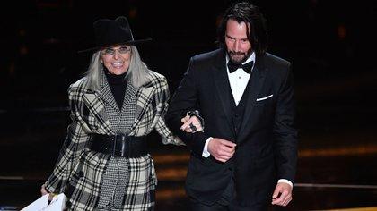 Diane Keaton y Keanu Reeves en los pemios Oscar 2020