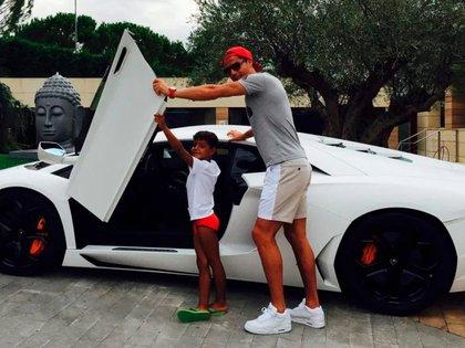 Lamborghini Aventador (@Cristiano)