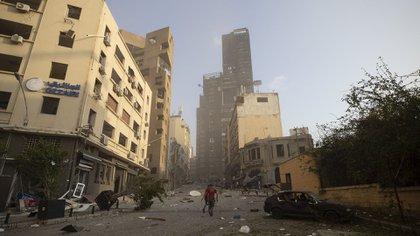 El estallido provocó daños y destrozos en un radio de cinco kilómetros (AP Photo/Hassan Ammar)