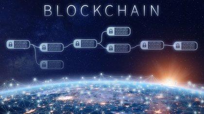 La tecnología blockchainpermite guardar todo tipo de información, no sólo transacciones económicas, de manera descentralizada.(Getty Images)