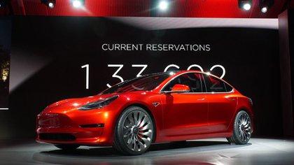 El Model 3 es el auto más económico de Tesla, pero su precio continúa siendo elevado
